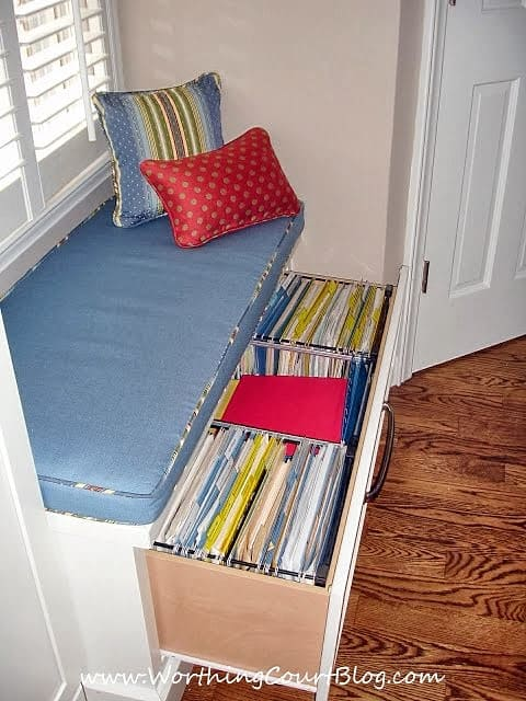 Built-in drawer in a kitchen window seat
