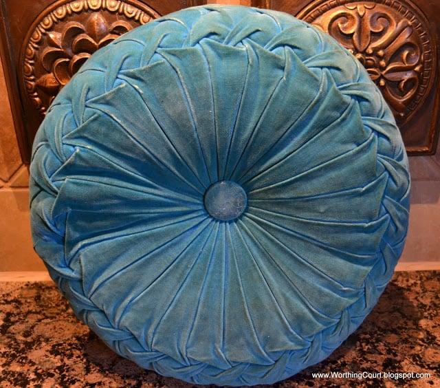 How I cleaned an antique velvet pillow via Worthing Court blog