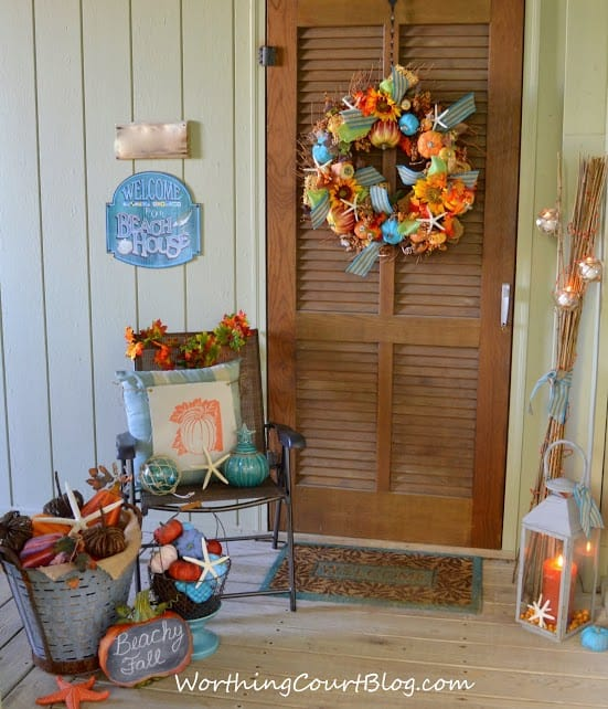 Beachy fall front porch :: WorthingCourtBlog.com