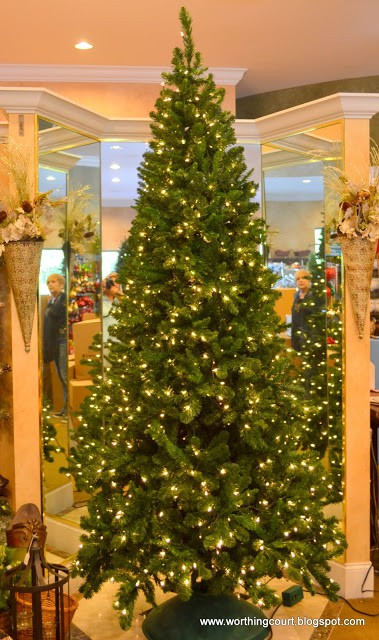 how to decorate a christmas tree via worthing court blog - Steps To Decorating A Christmas Tree