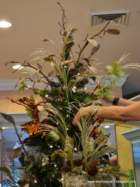 How to decorate a Christmas tree via Worthing Court blog