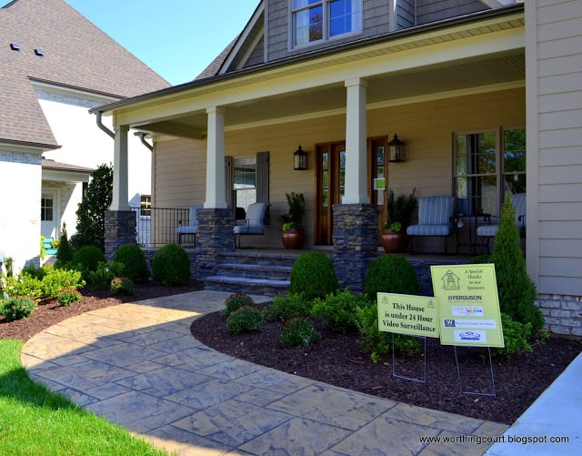 sidewalk and front porch landscaping via Worthing Court blog