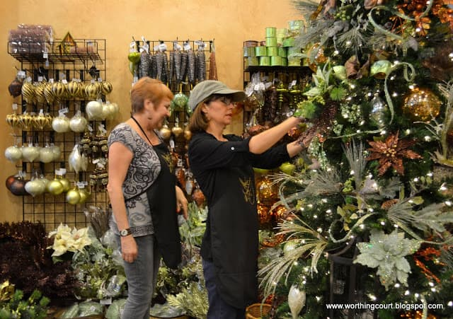 how to decorate a christmas tree via worthing court blog - Decorative Christmas Trees