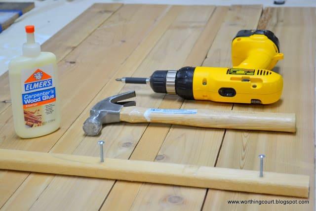 How to make new wood look like old barn wood via Worthing Court blog