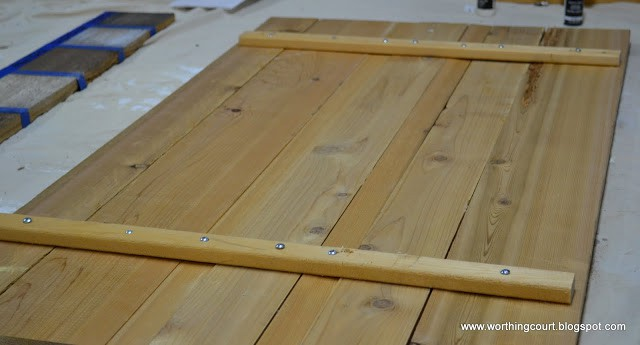 How to make new wood look like old barn wood via Worthing Court blog