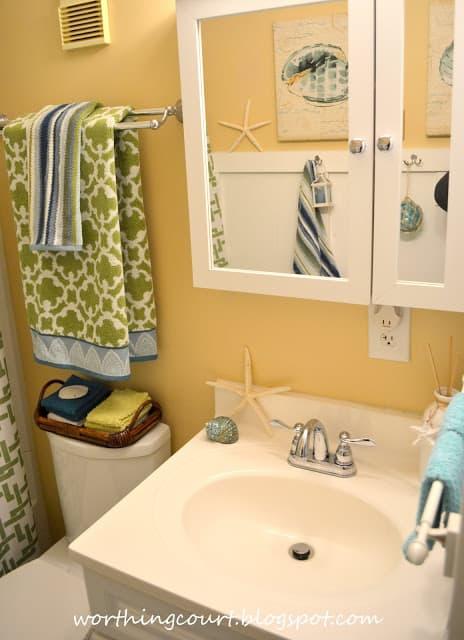Beach bathroom via Worthing Court blog