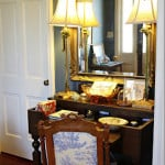 House Tour: House Snooping at Bargain Hunting and Chatting with Laurie