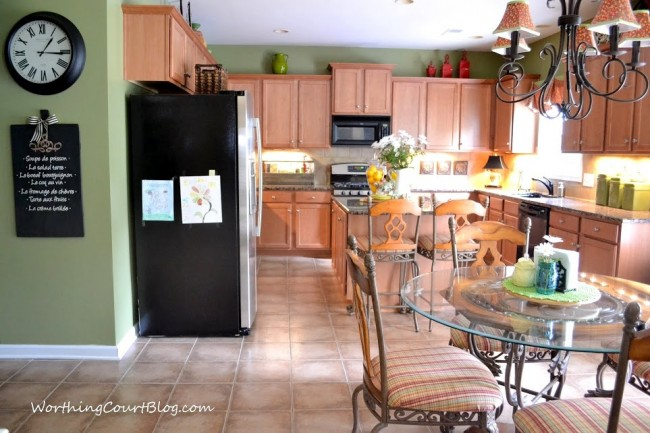 Kitchen with maple cabinets-002 (1)