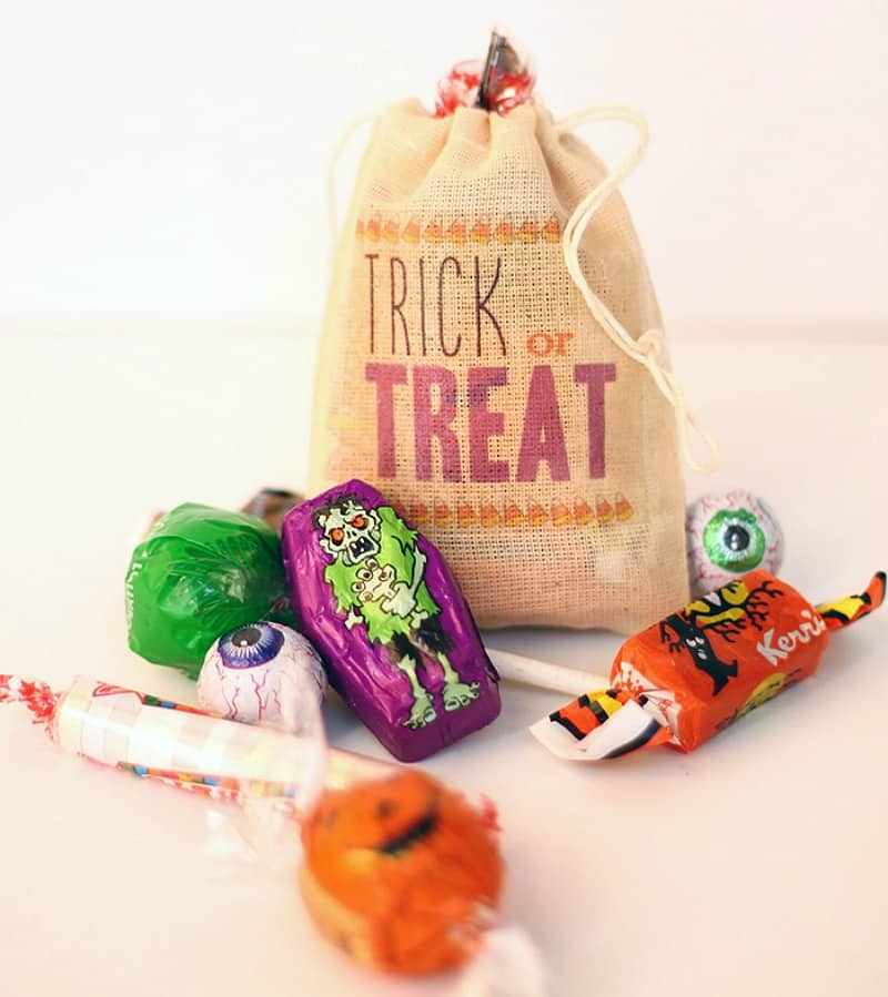 Burlap Halloween treat bags with iron on letters