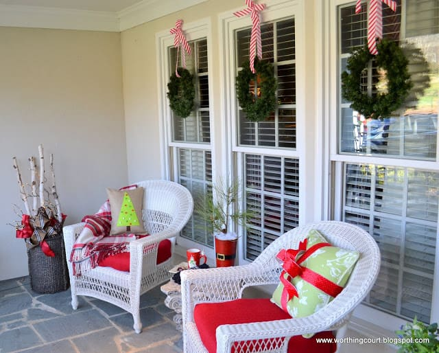 Worthing Court: Christmas decorations on the front porch