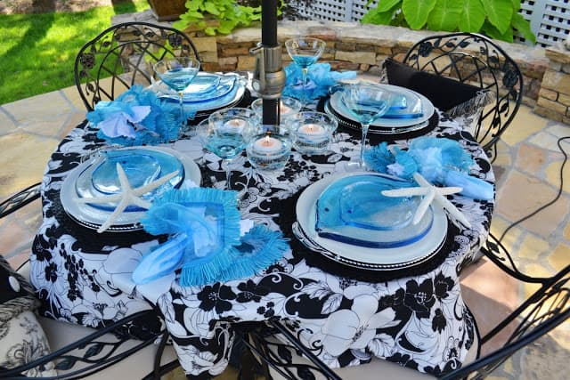 Worthing Court: Summer outdoor tablescape