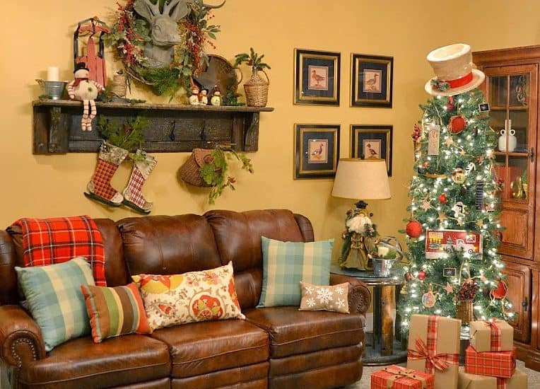 Worthing Court: Rustic Christmas tree and vintage mantel