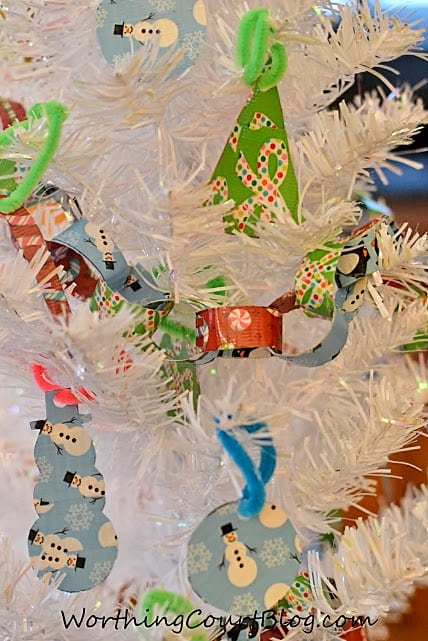 Worthing Court: Kid friendly Christmas ornaments to make using Duck Tape