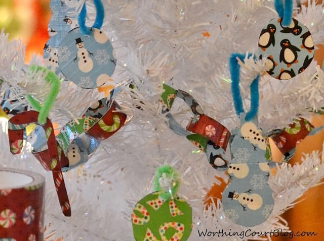 Worthing Court: How to make a kid friendly garland and ornaments for a Christmas tree using Duck Tape