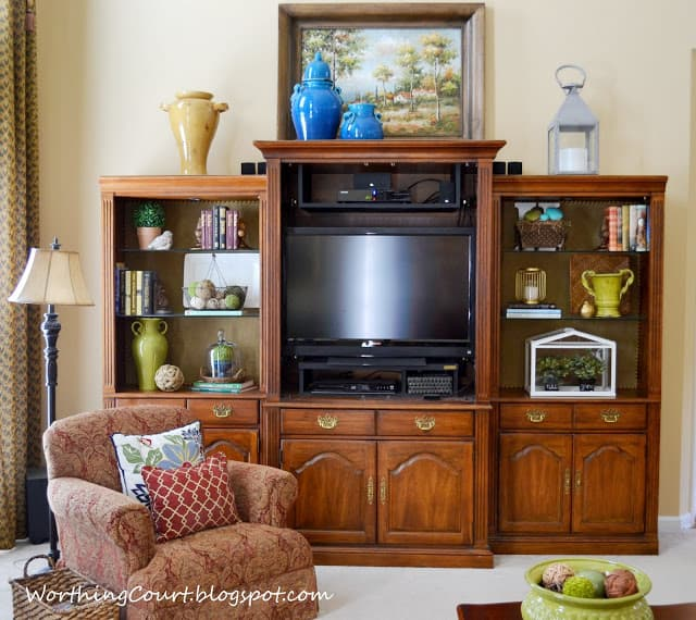 Worthing Court: Styling bookcases