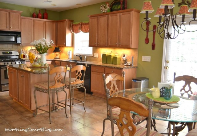 Kitchen with maple cabinets-001 (1)