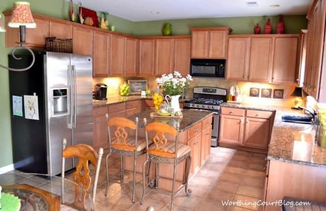 Kitchen with maple cabinets-005 (1)