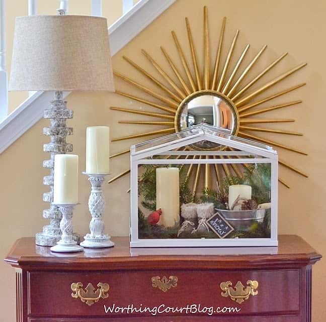 Worthing Court: Winter white vignette