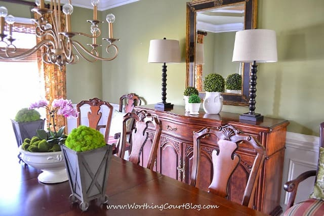 Simple And Easy Spring Decor In The Dining Room