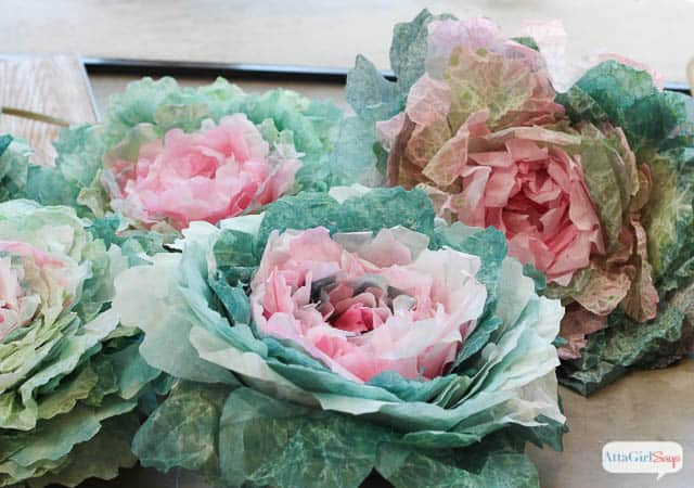 Fun craft - learn to make cabbages from coffee filters :: WorthingCourtBlog.com