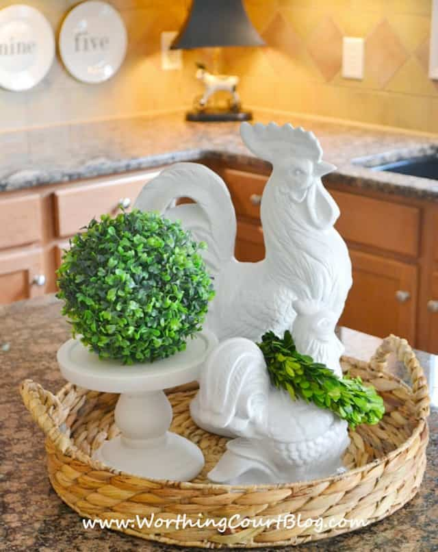 Tips for putting together the perfect vignette :: WorthingCourtBlog.com