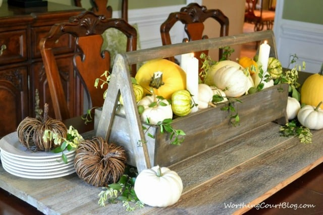 Tips to help you put together the perfect vignette :: WorthingCourtBlog.com