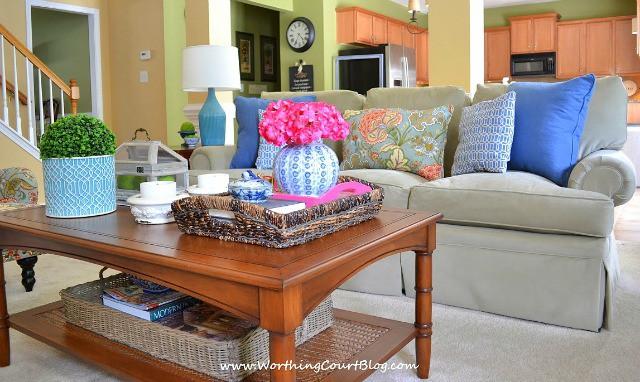 Styled coffee table :: WorthingCourtBlog.com