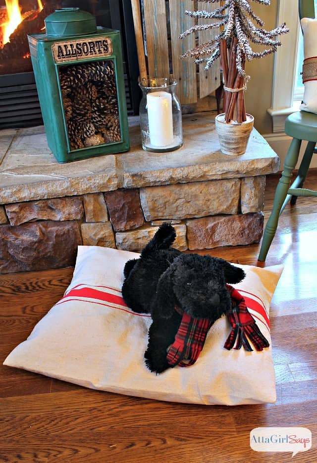 No-sew grain sack dog bed cover