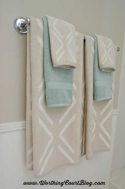 Layer towels of different patterns and colors together in a bathroom :: worthingcourtblog.com