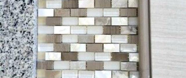 Backsplash tile and granite combination    WorthingCourtBlog.com