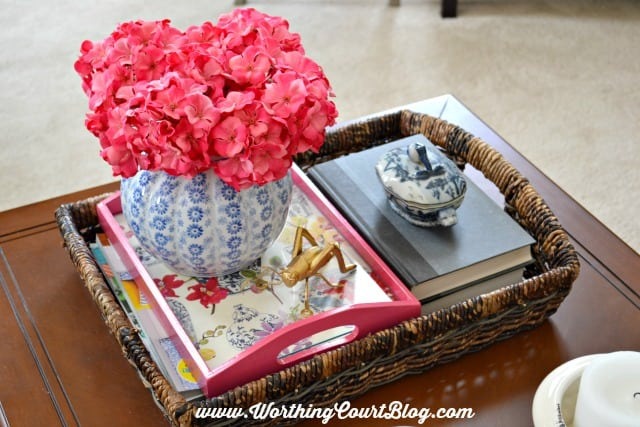 Coffee table vignette || WorthingCourtBlog.com