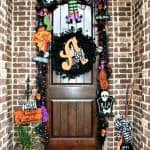 5 On Friday: 5 Non-Scary Outdoor Halloween Decorations