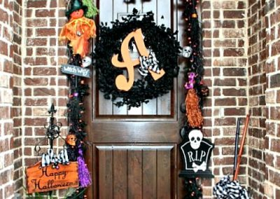 5 Non-Scary Outdoor Halloween Decorations