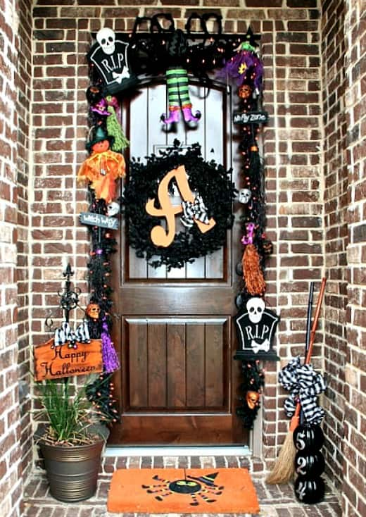 5 on friday 5 non scary outdoor halloween decorations for Scary halloween home decorations