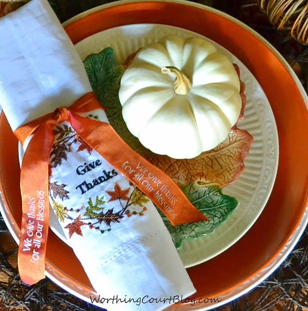 How to make cute, super easy and affordable diy napkin rings for Thanksgiving