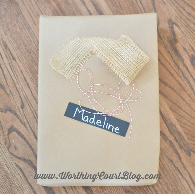 Easy, uncomplicated and affordable rustic Christmas gift wrap tutorial