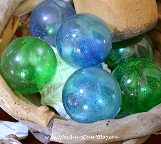 How to make glass fishing floats using clear glass Christmas ornaments. An easy and fun project!