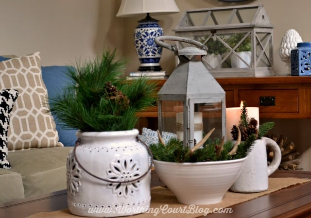 The winter vignette on the coffee table.
