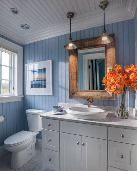 Pretty nautical bathroom
