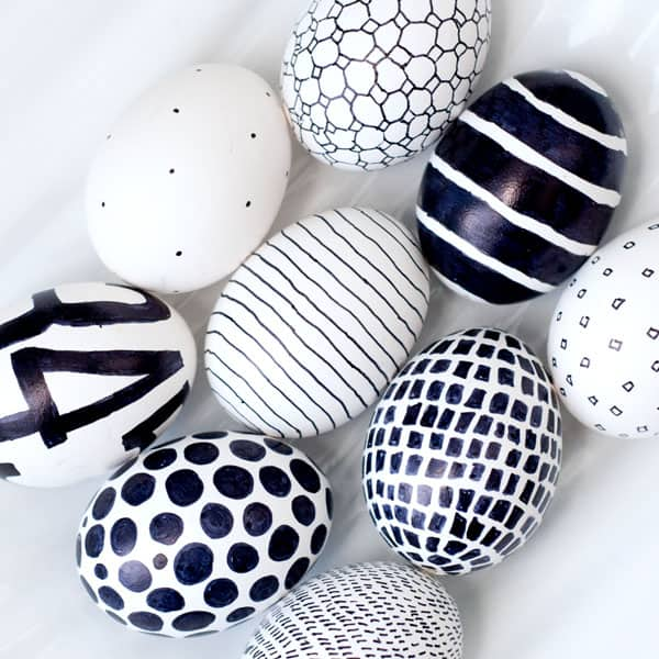 Easy Sharpie Easter Eggs