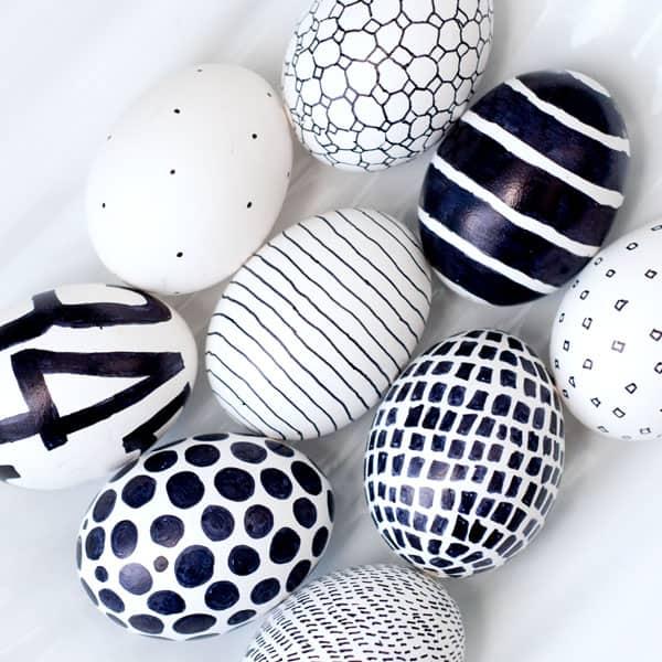 Easy Sharpie Easter Eggs