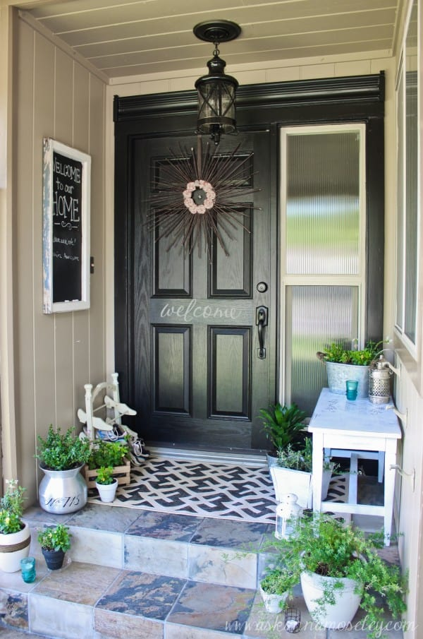 How To Decorate A Small Front Porch | Worthing Court