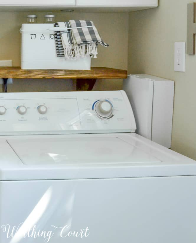 Click Here To Tour The Rest Of My Laundry Room Along With Before Photos And Get These Free Printables