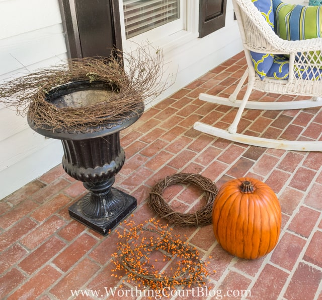 How To Create A Fall Urn The Fast And Easy Way - Step 1