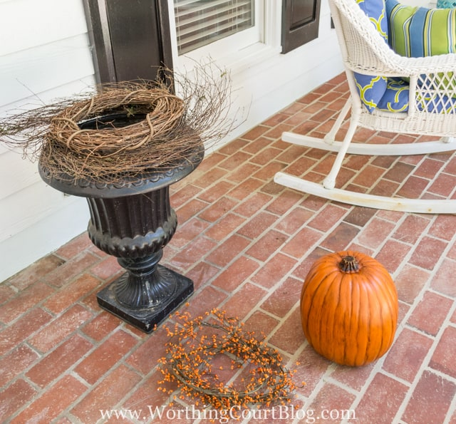 How To Create A Fall Urn The Fast And Easy Way - Step 2
