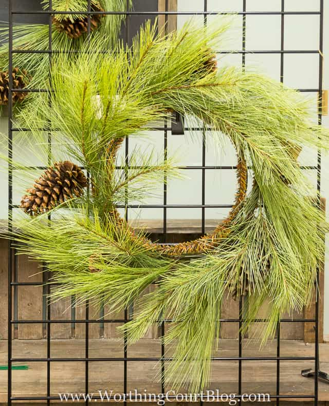 Step-by-step directions, secrets and tips for how to decorate a wreath from a professional Christmas decorator.