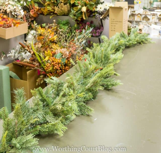 How To Decorate A Christmas Garland - Directions From A Pro