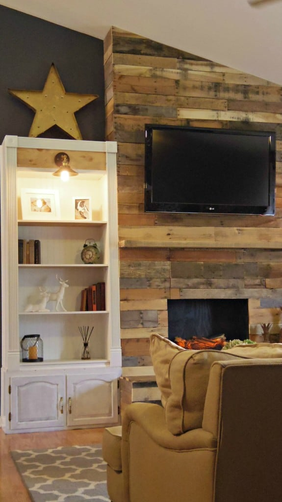 DIY Pallet Wood Fireplace