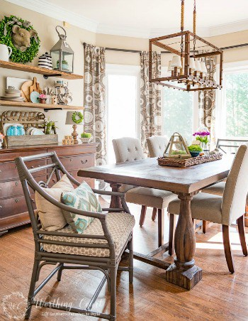 Celebrating Spring With Farmhouse Florals