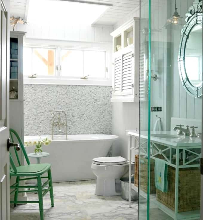 Spa-like style in a cottage bathroom